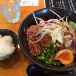 もっちもちの極太麺が評判のまぜそば屋さんは行列必至店だった! @北名古屋市西春