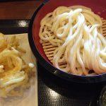 丸亀製麺 大治店のざるうどんと野菜かき揚げ @大治
