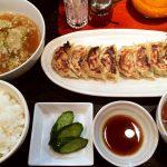 ぎょうざや よっちゃんの焼き餃子セットとスープ餃子 @芳野