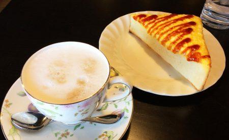 珈琲屋らんぷ中小田井店のカフェオーレラテとモーニング @中小田井