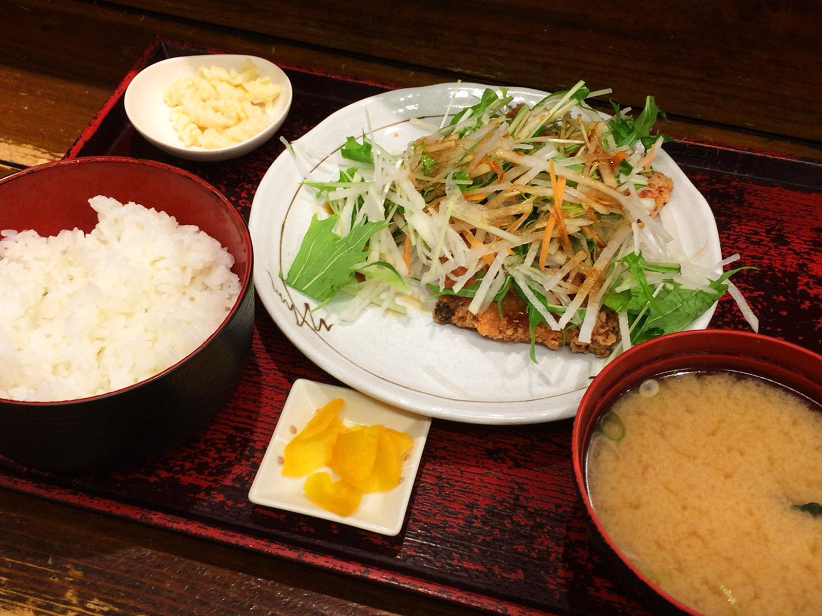 「たすいち 名駅店」のカジキマグロの香味揚げ定食 @名駅