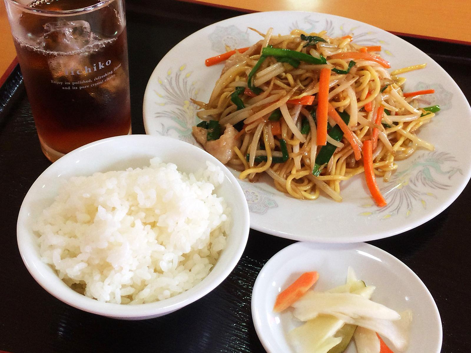 「味鮮館」の焼きそばセット @清須市下小田井