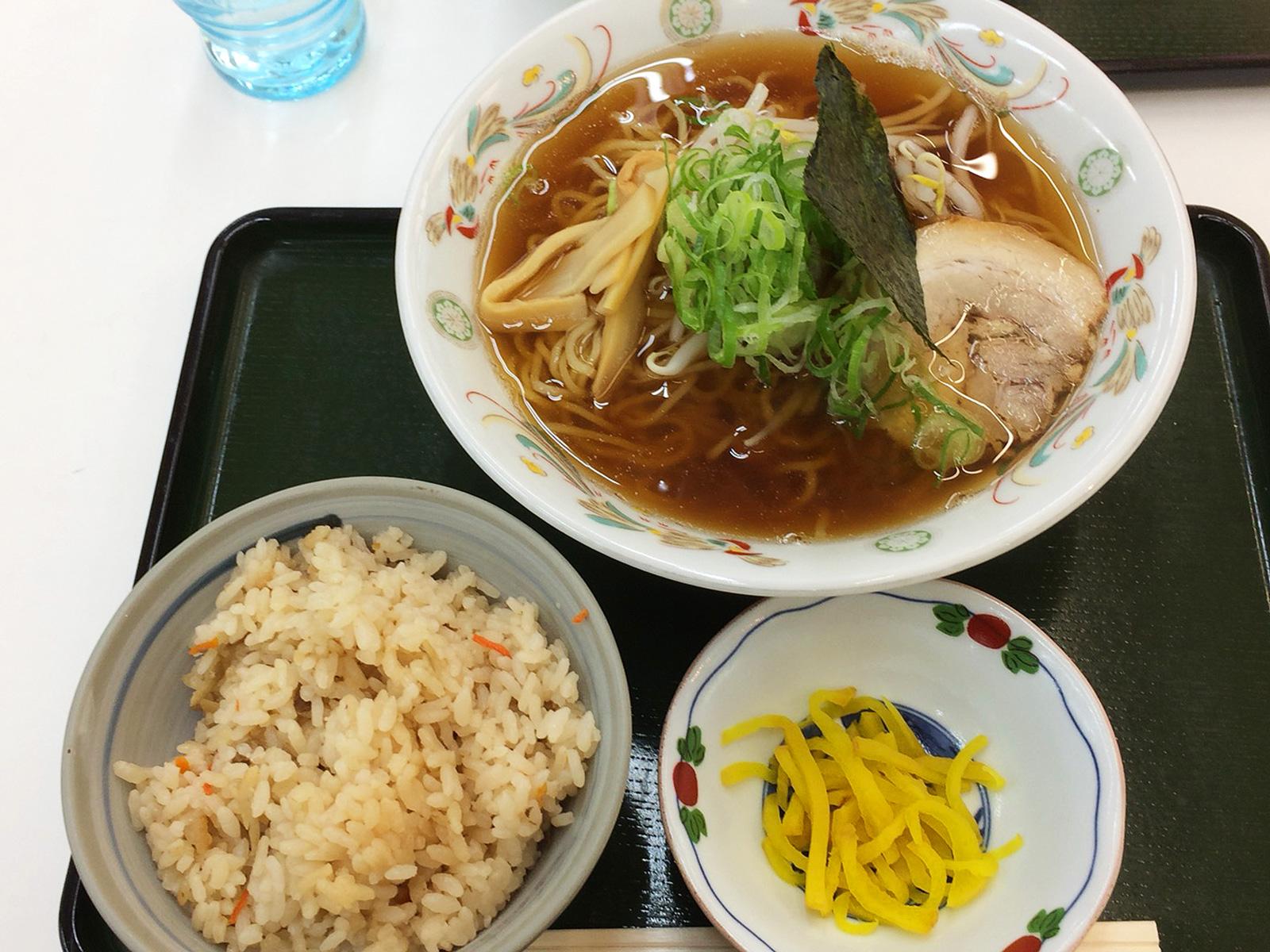 「むつみや」のラーメンと五目ご飯ランチ @下小田井