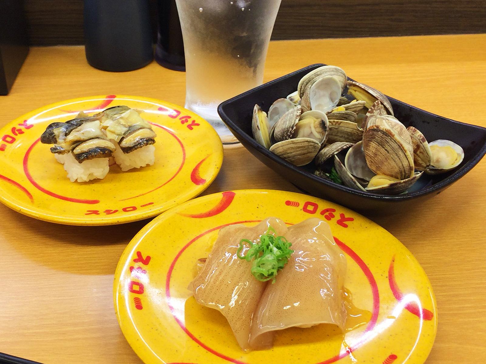 「スシロー清須古城店」のレモンサワーとあさりの酒蒸しとお寿司いろいろ @西枇杷島