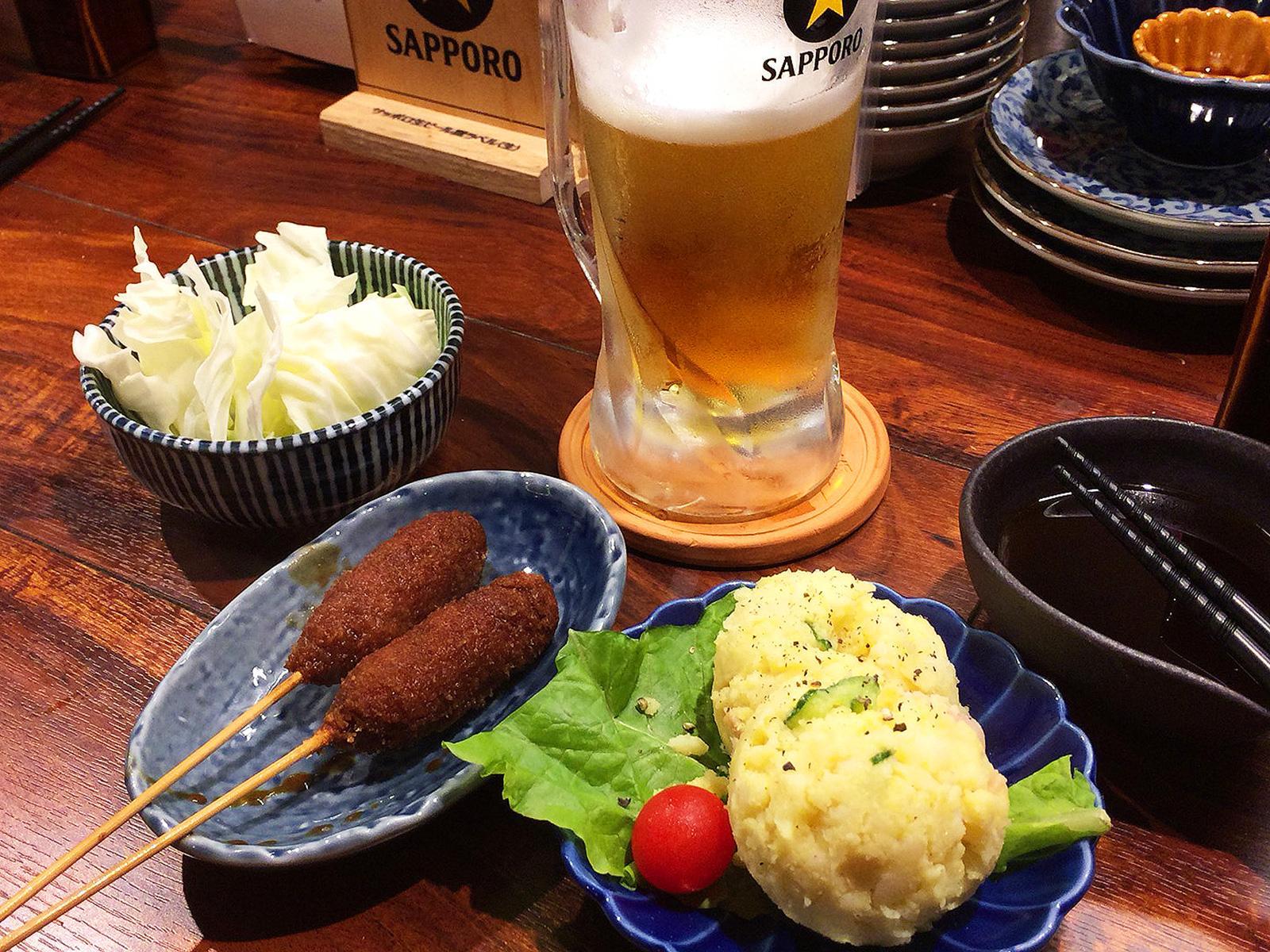 「マナダテツオ」のレモンサワーと味噌串カツ @庄内緑地公園
