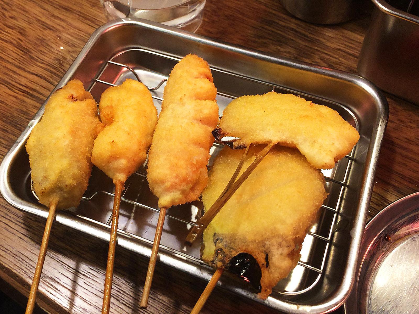 「串カツでんがな」のどて焼きと串カツ @錦3