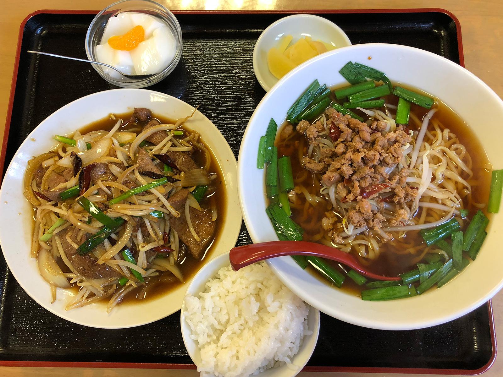 「中華料理 極」のニラレバ炒めと台湾ラーメンランチ @西春
