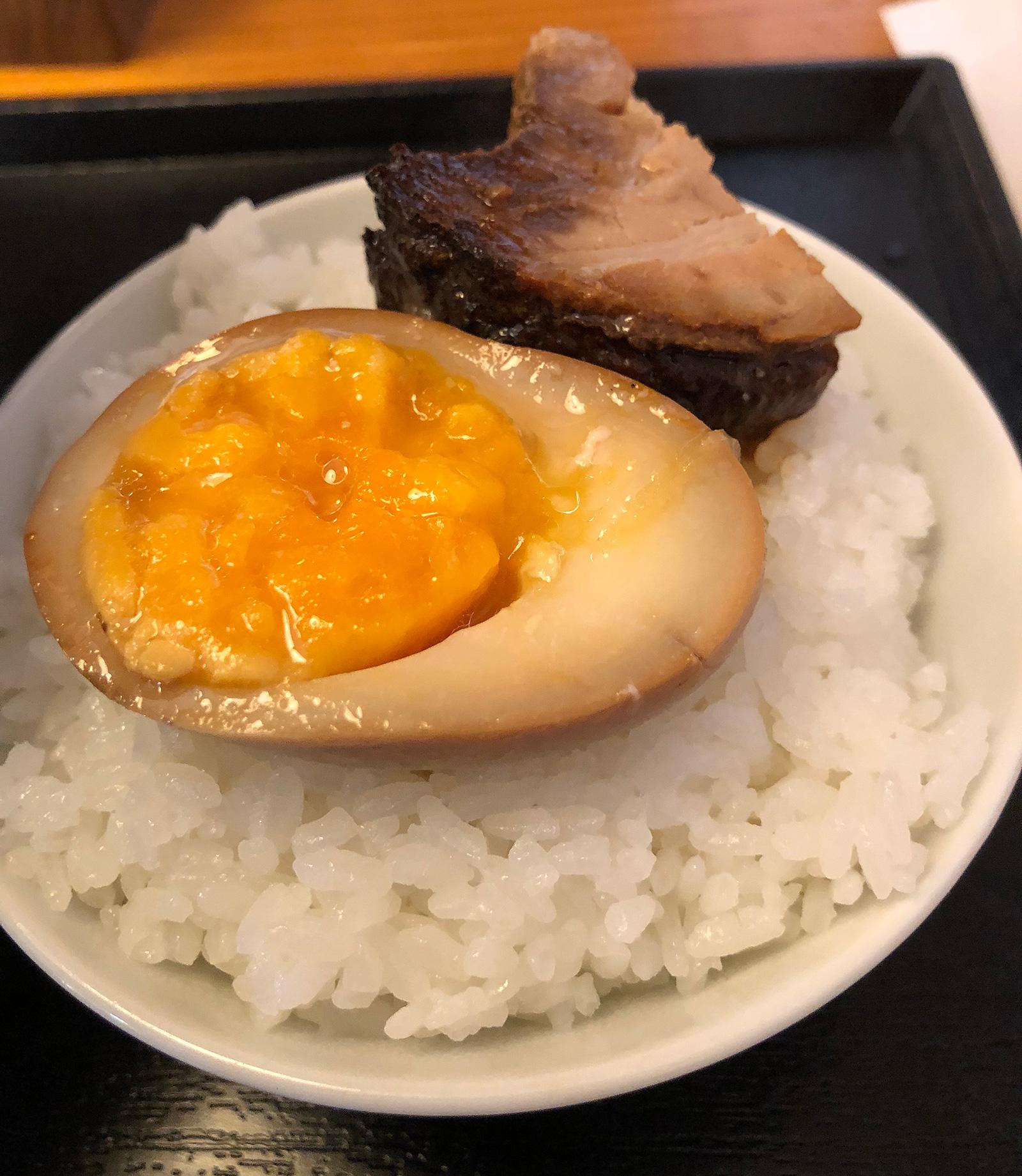 「中華蕎麦 てる家」の中華そば松とごはん @中小田井
