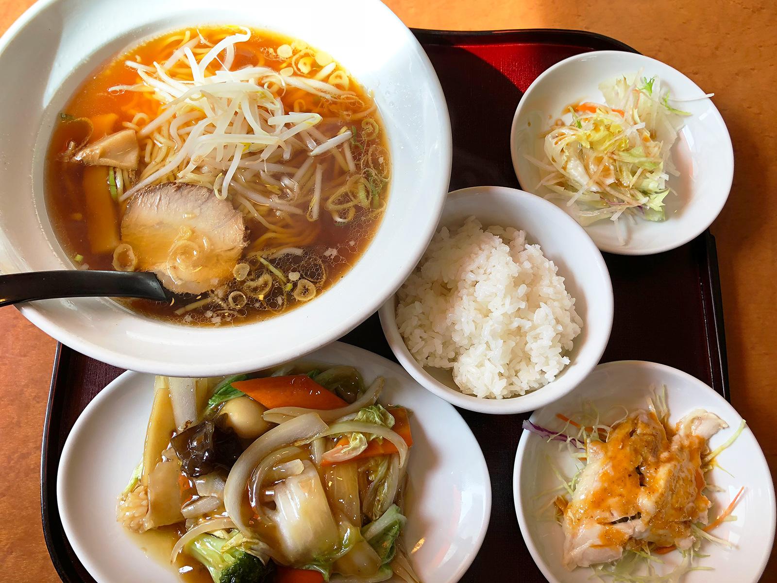 「中国料理 群つる」の八宝菜ランチ @新川