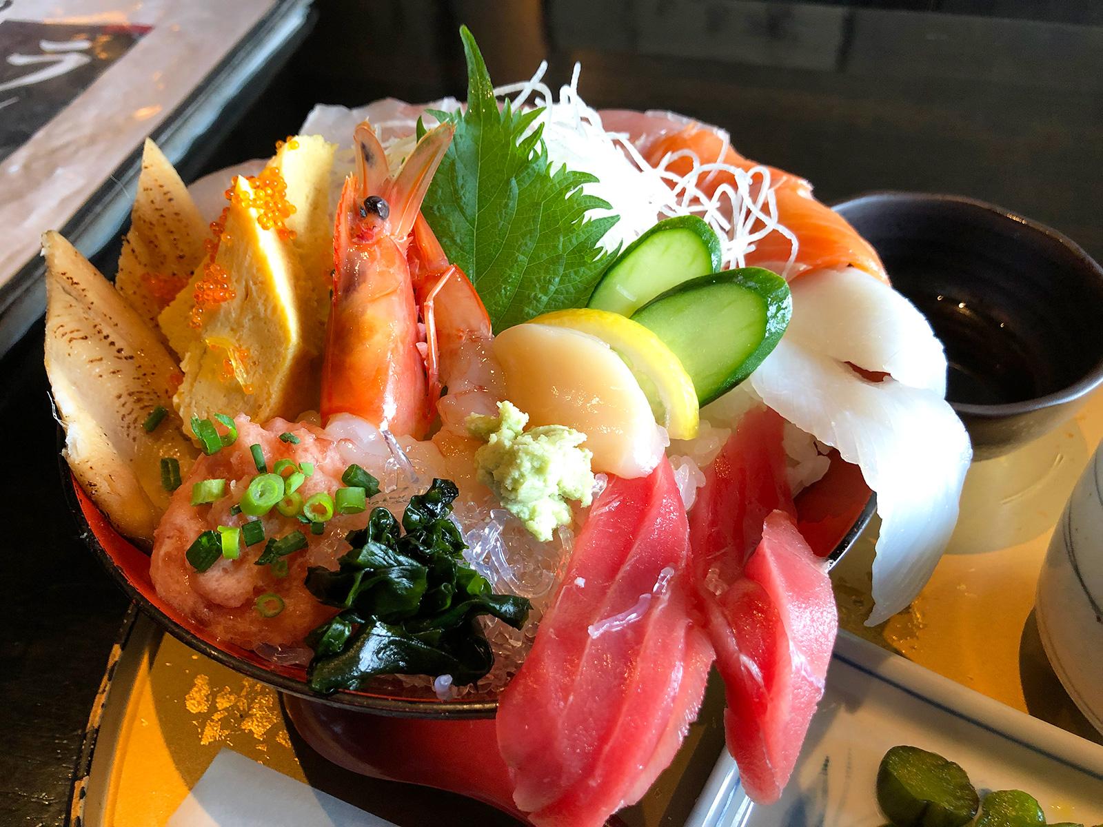【アフィリめし】「なにがし 一宮店」のはみでる海鮮丼御膳 @一宮市