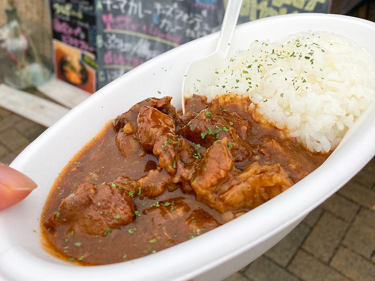 「Kitchen Piglet」の牛スジハヤシライス @各務ヶ原マーケット日和2019