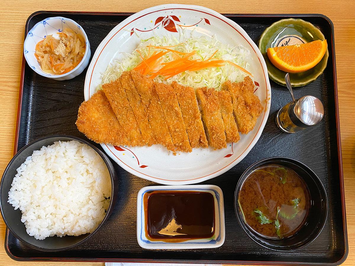 「山正 キヨス店」のロースカツ定食 @清須市清洲