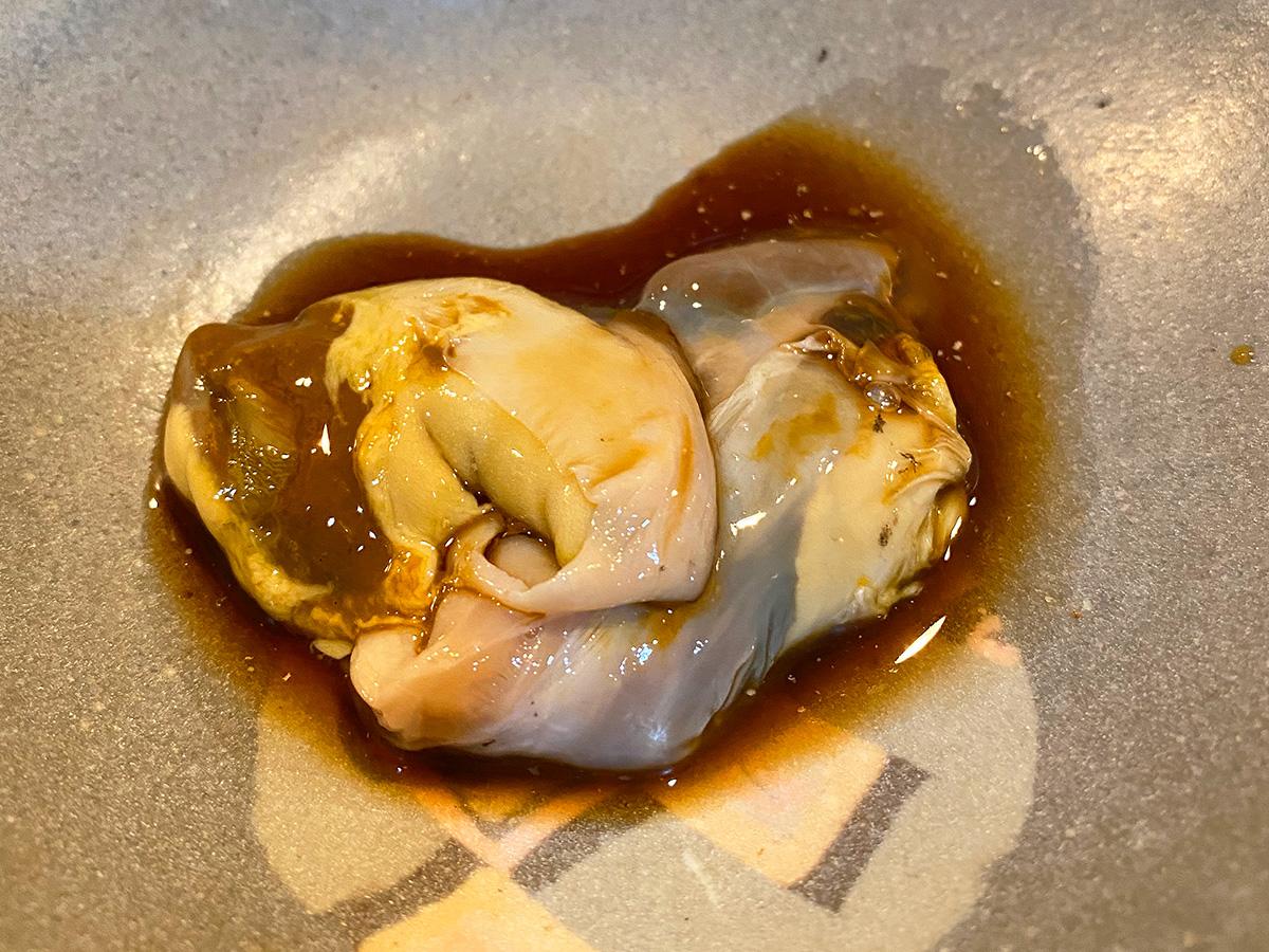 「すし 松前」の刺身盛り合わせと鮑の肝と茶碗蒸し @名古屋市西区栄生