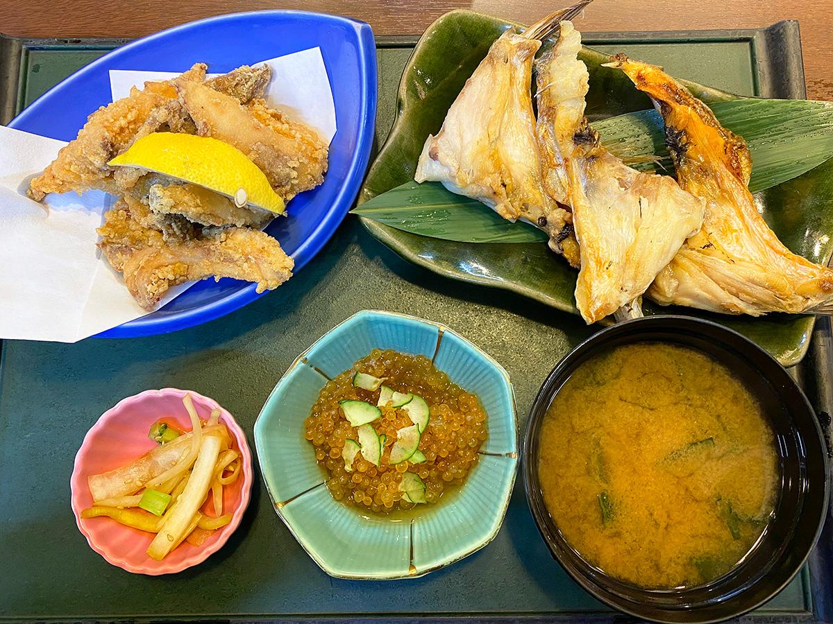 「海鮮居酒屋 まる重」の鯛の竜田揚げとカマ塩焼きのランチ @名古屋市北区中切町