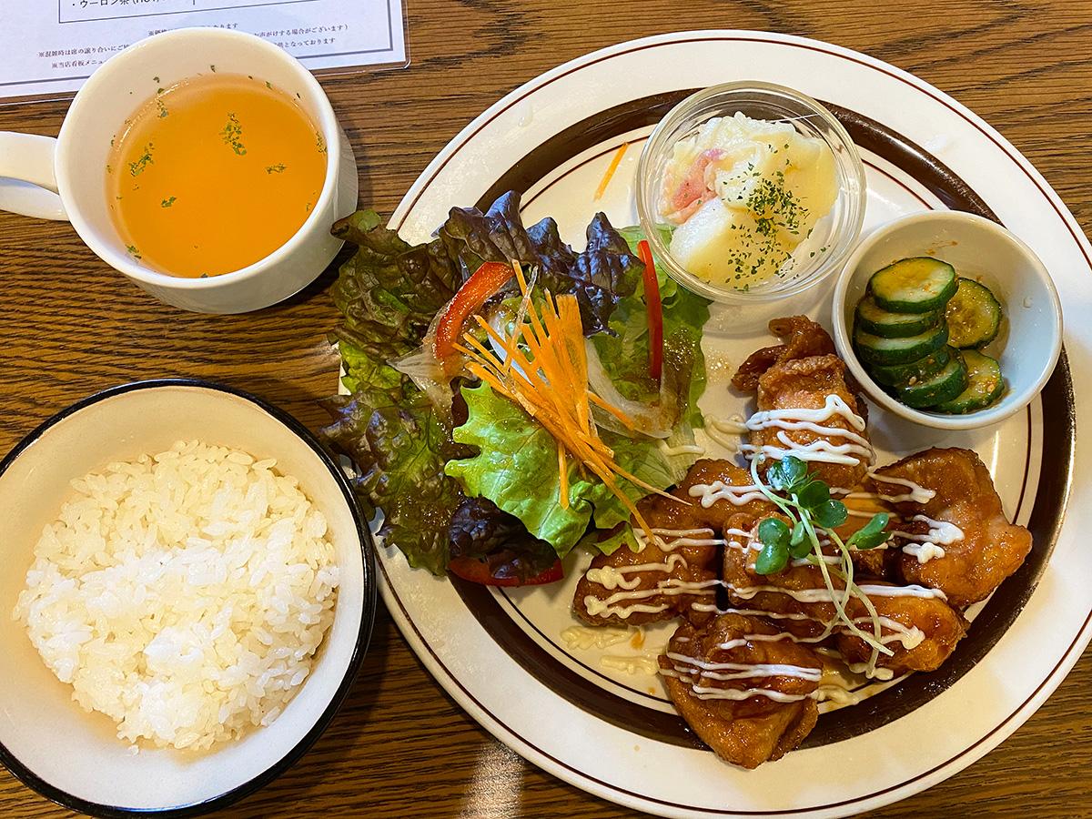 「cafe DODO」のハニージンジャーチキンランチ @名古屋市中区