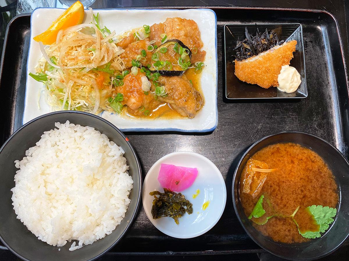 カフェ&レストラン田園のチキンしょうが焼きランチ @清須市新川