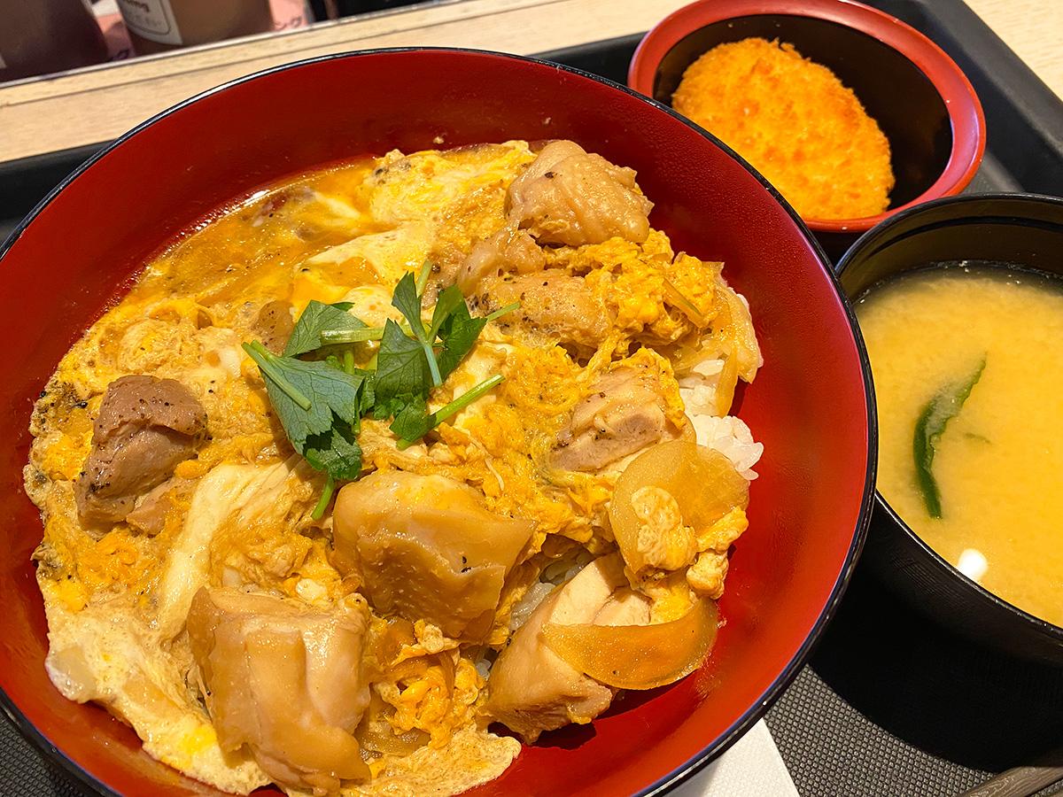 「松のや 清須店」の得朝親子丼セット @清須市西批杷島