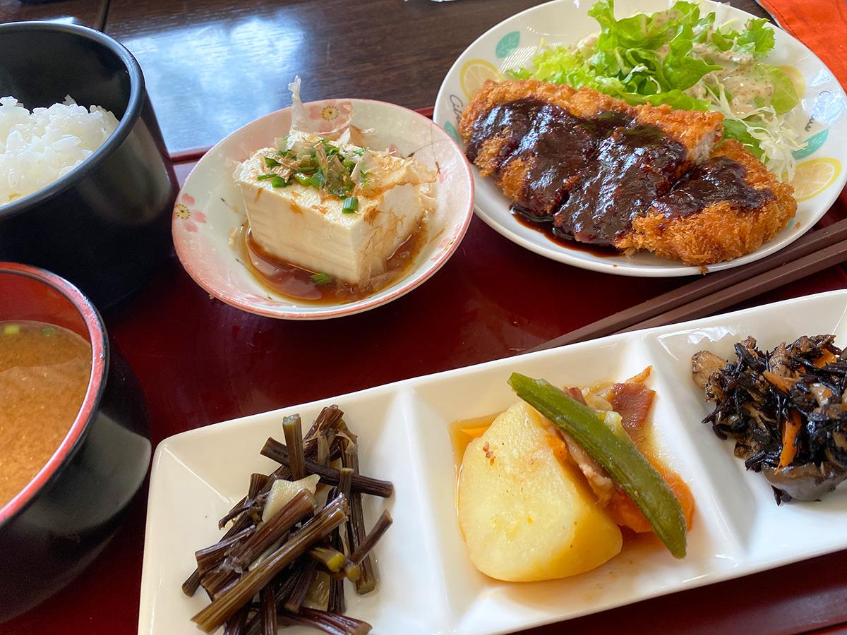 「cafe Taka」の味噌かつランチ @あま市甚目寺